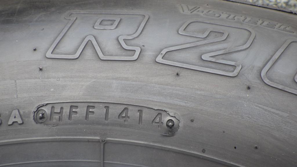 215/85R16 スチールホイール付タイヤ 7本セット トヨタ ダイナ トラック4