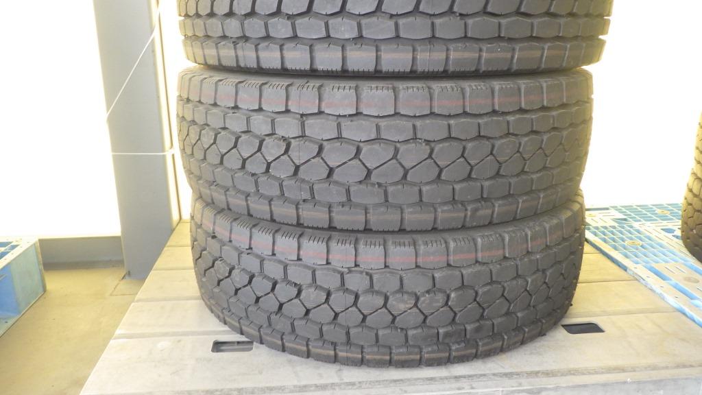 245/70R19.5 スチールホイール付 未使用タイヤ 4本セット4