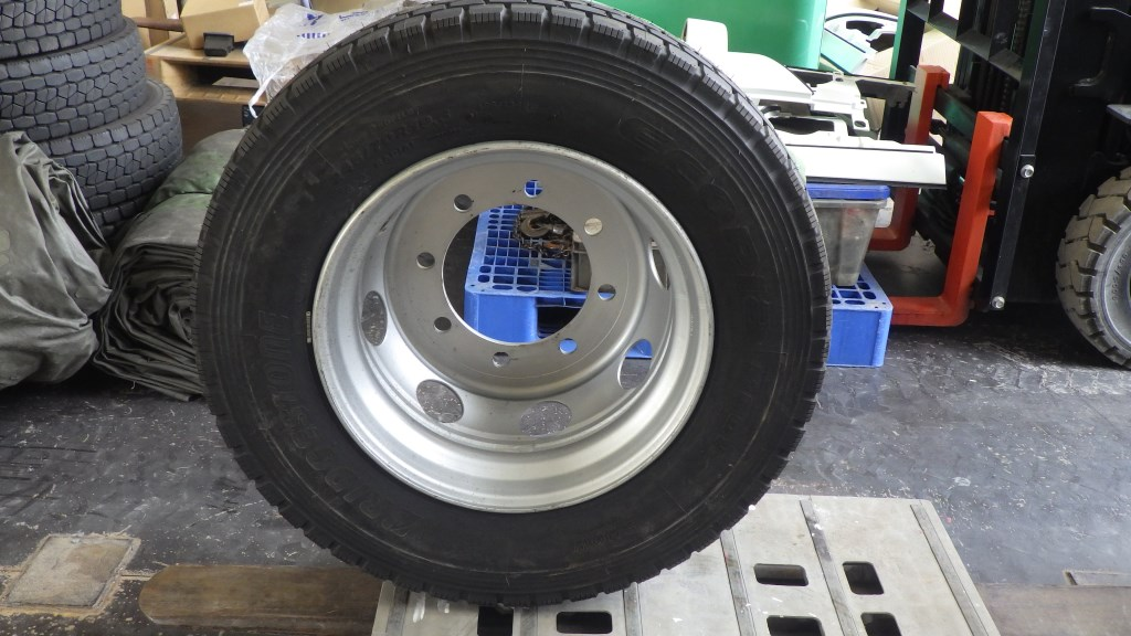 245/70R19.5 未使用品 大型低床用 スペアタイヤ スチールホイール付2