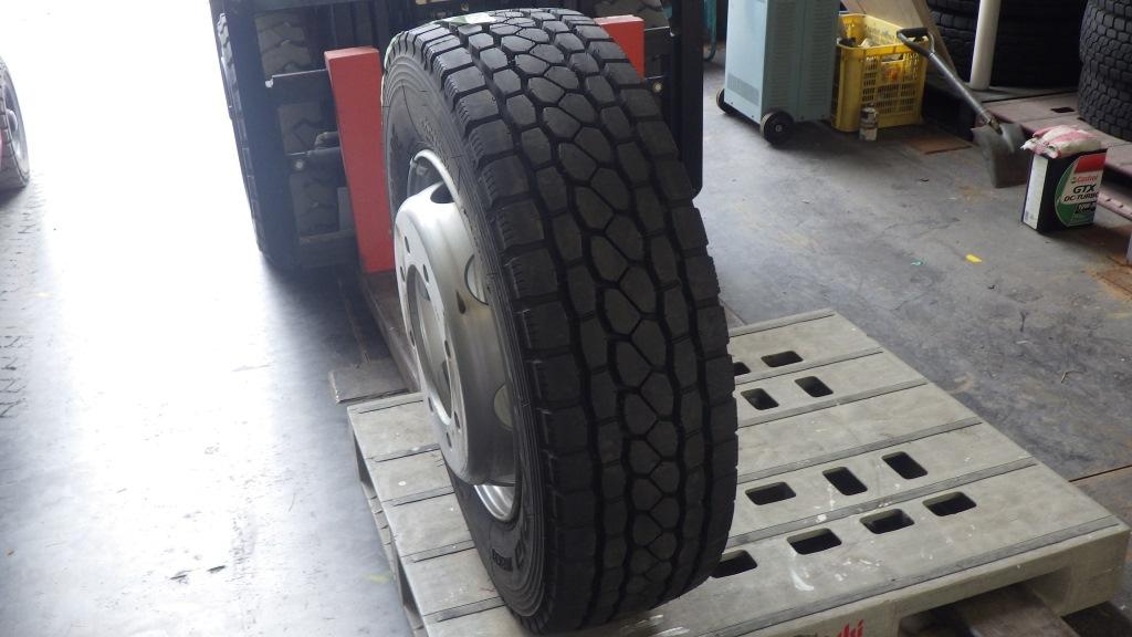 245/70R19.5 未使用品 大型低床用 スペアタイヤ スチールホイール付1