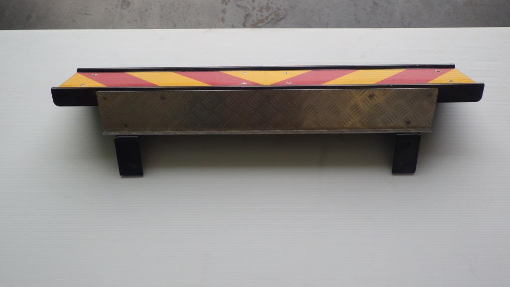 4軸低床用 リヤステップ 大型トラック いすゞ ギガ3