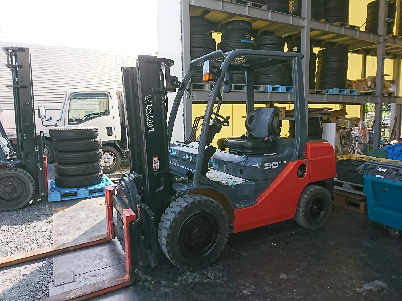トラック 重機 フォークリフト トラック部品の販売もアイケイアールにお任せ下さい。