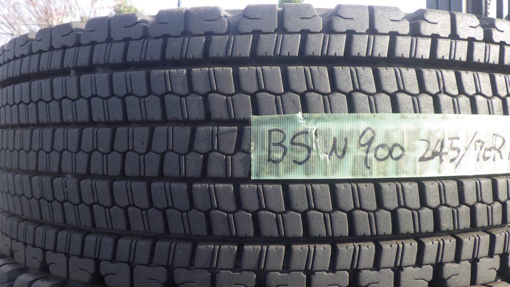 245/70R19.5 スタッドレスタイヤ W9002