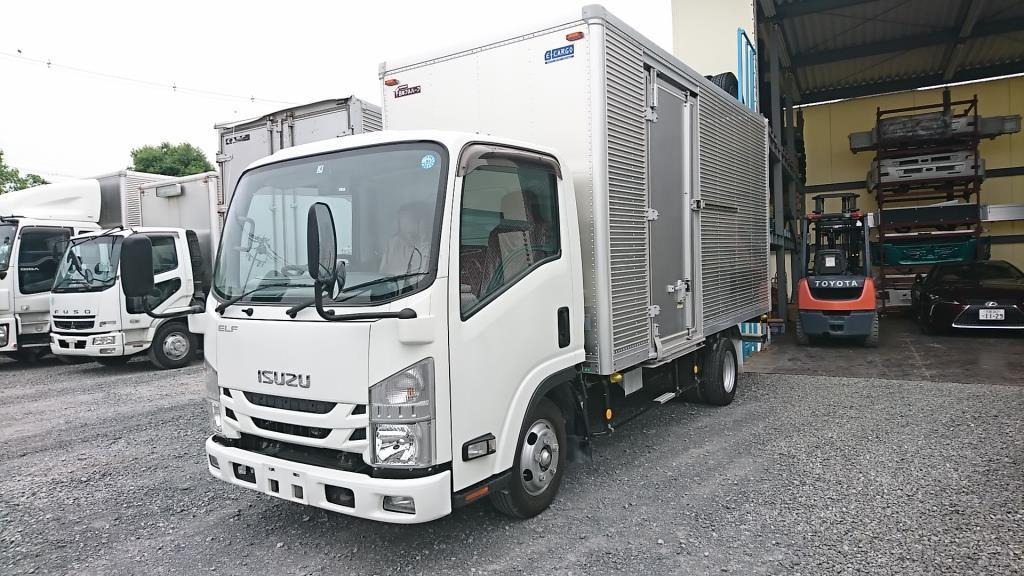 トラック 特選中古車販売のアイケイアール