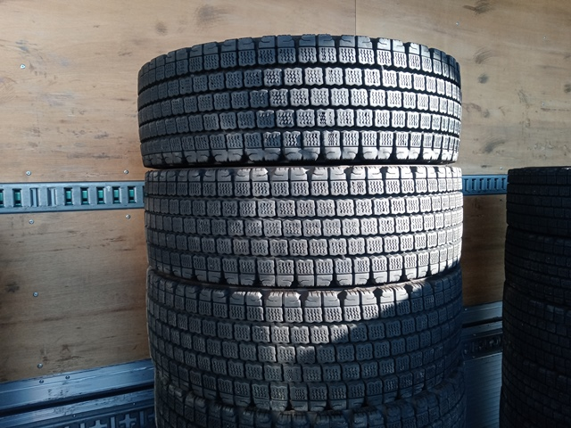 スタッドレスタイヤ お買得 格安スタッドレスタイヤ 245/70R19.5 12本セット9