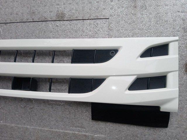 いすゞ エルフ 標準巾純正グリル4