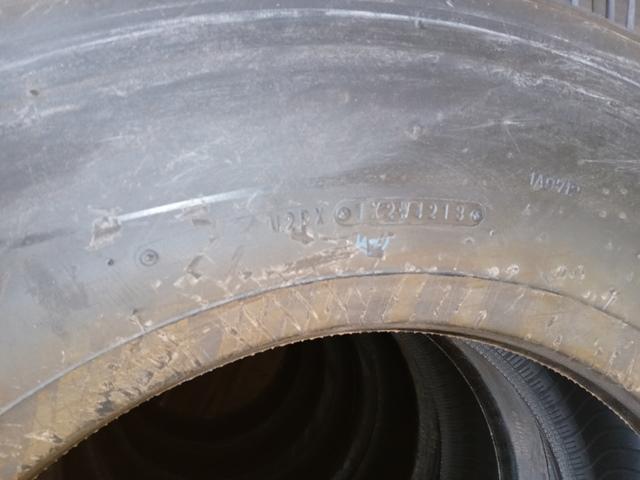 245/70R19.5 スタッドレスタイヤ ダンロップ6本 /SP0886