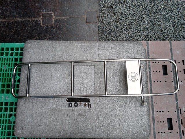 UDトラックス メッキハシゴ1