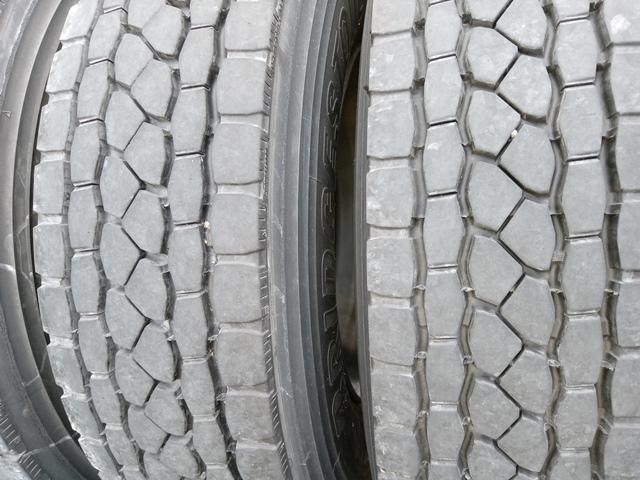 275/80R22.5 リトレットタイヤ スチールホイール付き 4本セット7