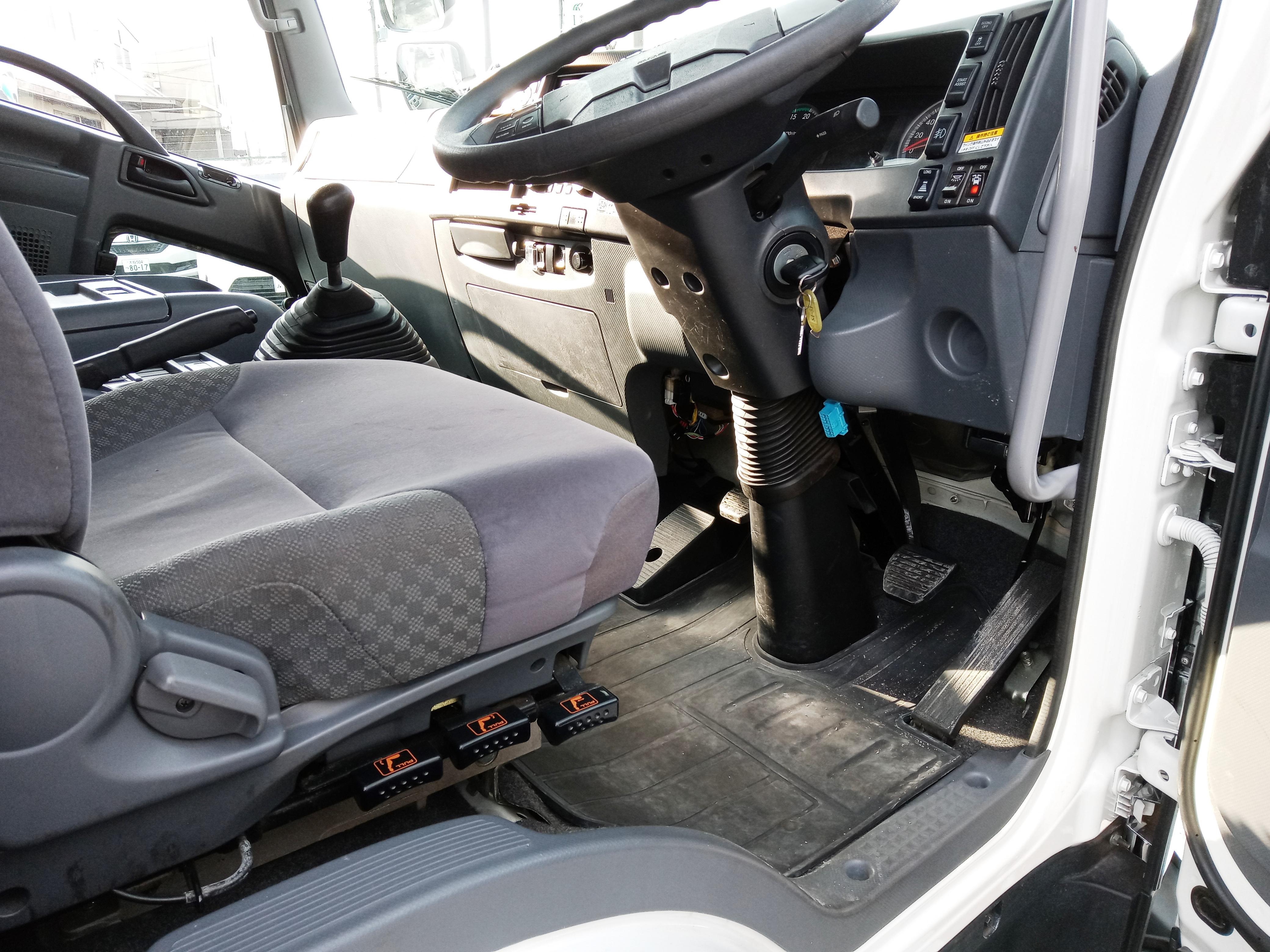 R1年 いすゞ フォワード ウイング ワイド エアサス 6MT 240PS 車検付き21