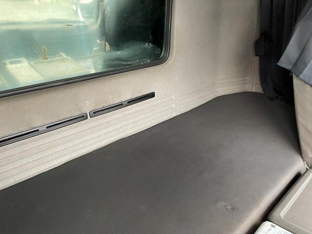 ギガ H24年式 QKG-CYL77A 冷凍車 サブエンジン付32