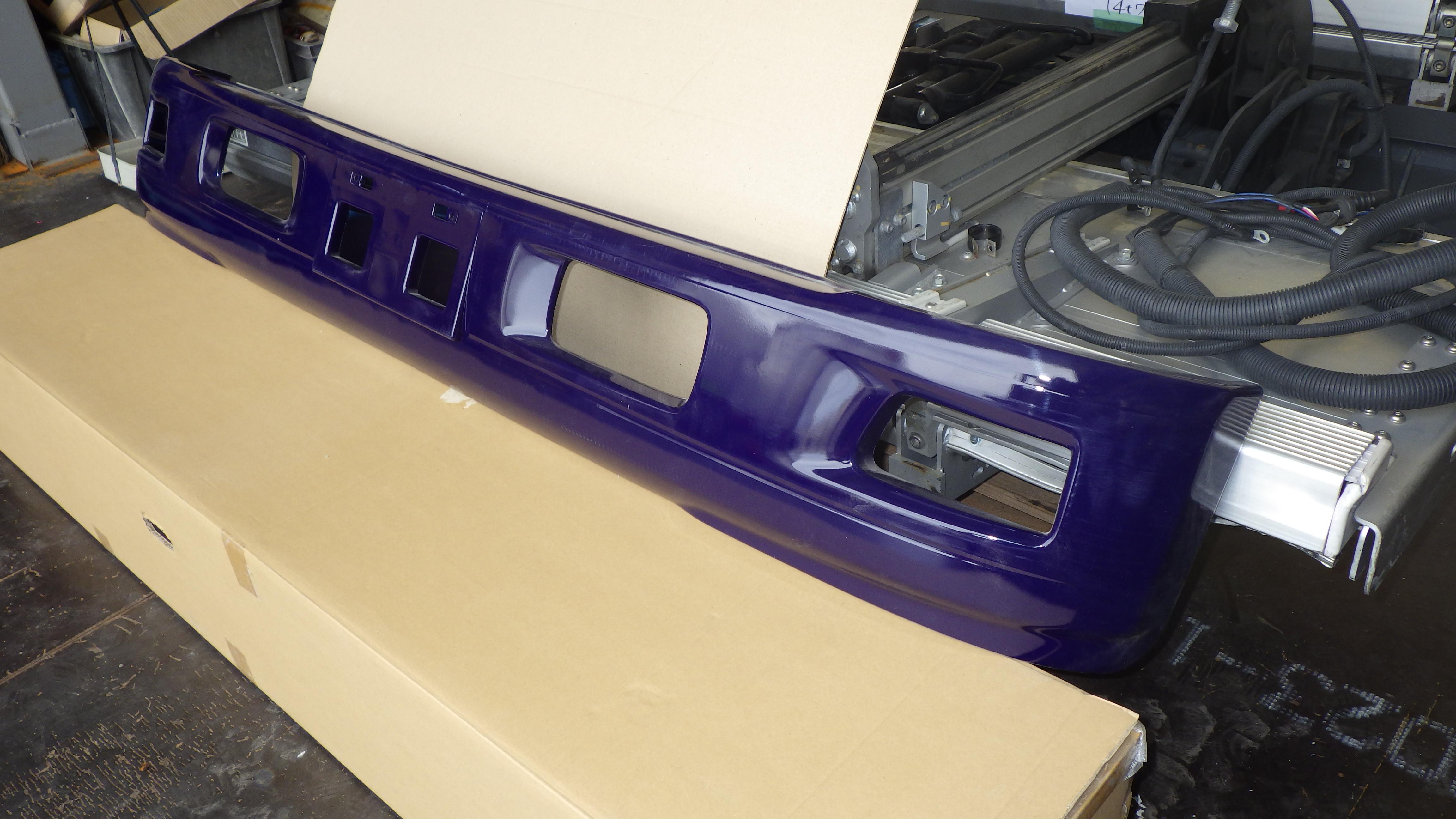 いすゞ07エルフ ワイドキャブ用 純正 フロントバンパー2