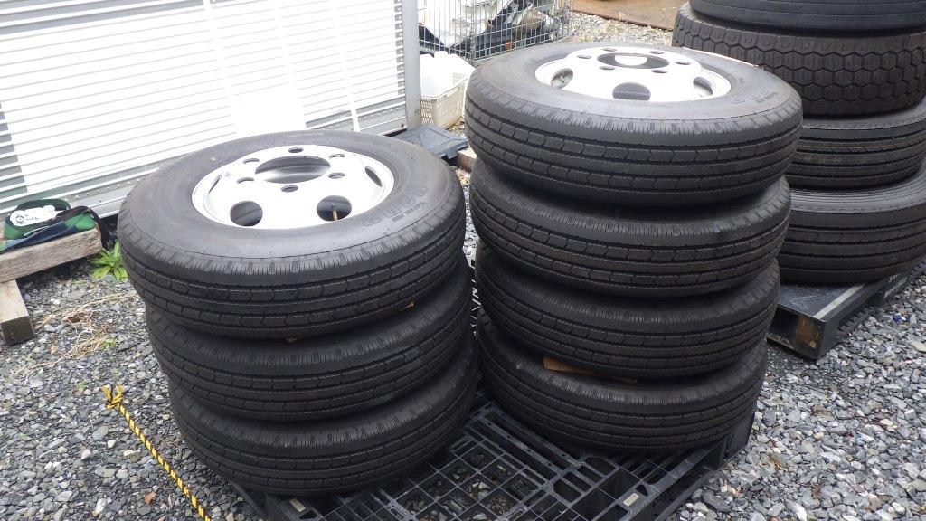 215/85R16 スチールホイール付タイヤ 7本セット トヨタ ダイナ トラック1