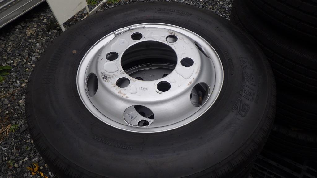 215/85R16 スチールホイール付タイヤ 7本セット トヨタ ダイナ トラック6