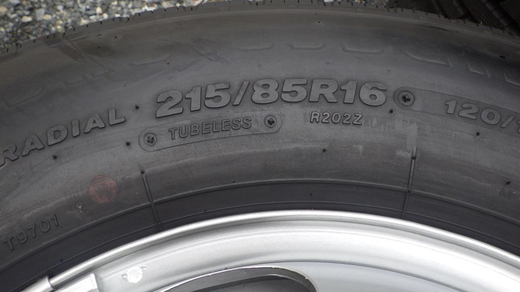 215/85R16 スチールホイール付タイヤ 7本セット トヨタ ダイナ トラック3