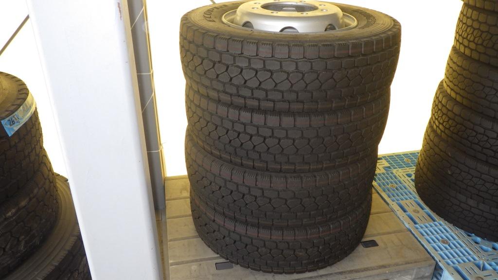 245/70R19.5 スチールホイール付 未使用タイヤ 4本セット6