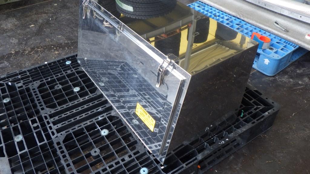 鏡面 メッキ 工具箱 幅 900mm トラック用工具箱4