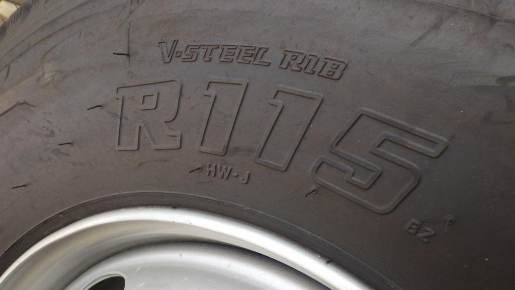 225/90R17.5 スチールホイール付 タイヤ4