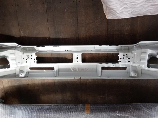 いすゞ 標準キャブ用 フロントバンパー 白3