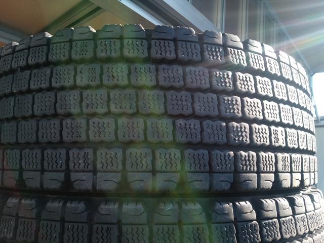 スタッドレスタイヤ お買得 格安スタッドレスタイヤ 245/70R19.5 12本セット4