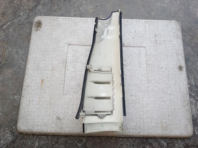 いすゞ '07ギガ コーナーパネル運転席側2