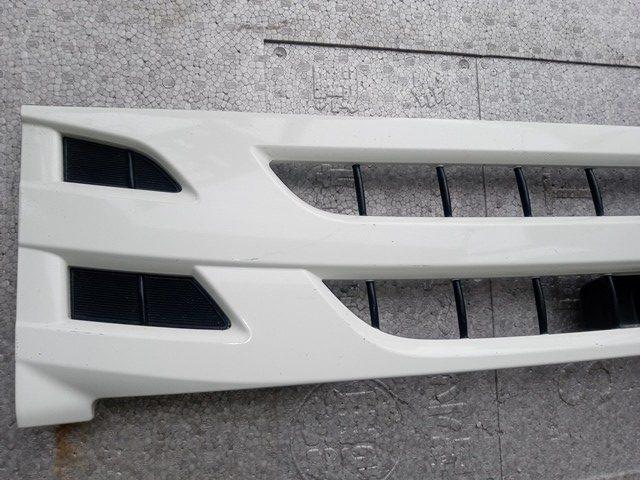 いすゞ エルフ 標準巾純正グリル2