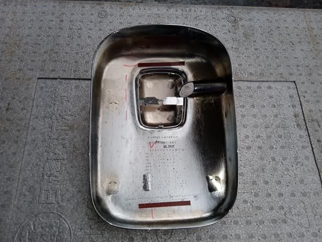 いすゞ ギガ 純正メッキミラーカバー大2