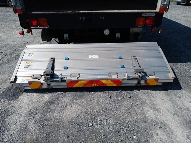 H23年 UDトラックス 4t格納ゲート付アルミウイング 6MT エアサス20